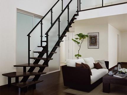 オープンリビング階段 側板タイプ